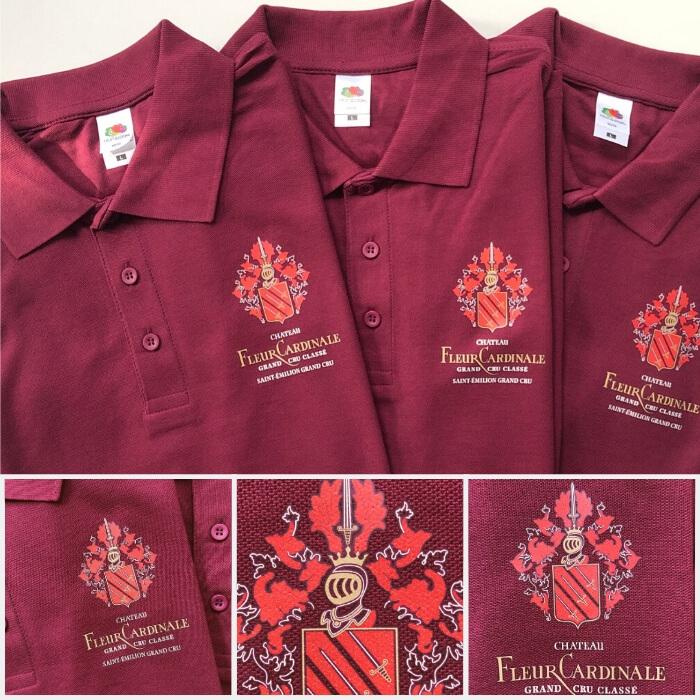 Polos personnalisés en transfert sérigraphique avec le logo du vignoble fleur cardinale